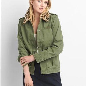GAP Jackets & Coats - GAP leopard collar jacket 🐆